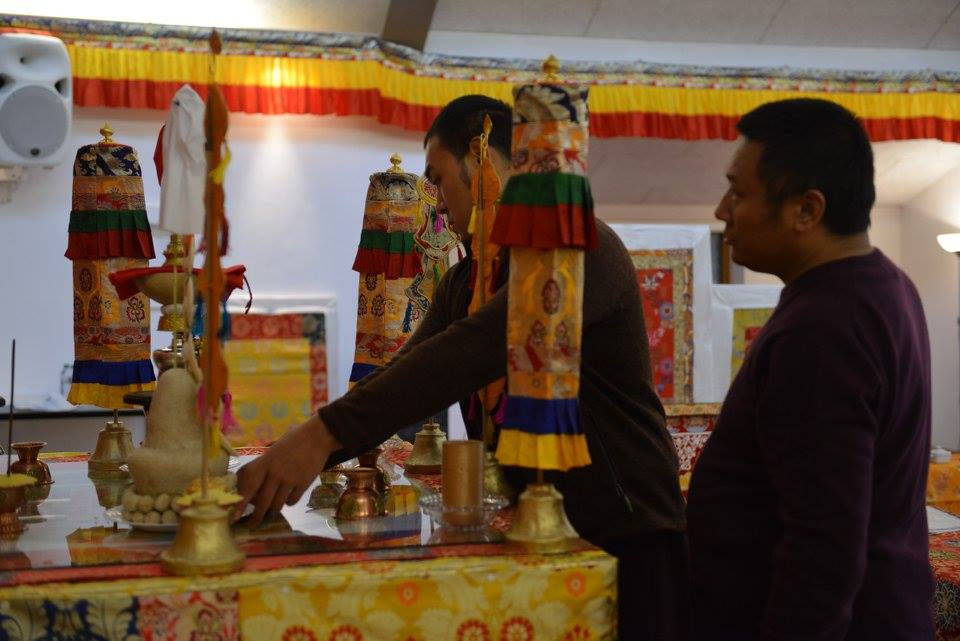 Ven. Tulku Jigdral Ngawang Kunga Rinpoche and Ven. Tulku Dakpa Rinpoche setting up the mandala.