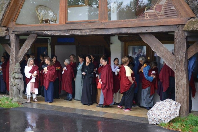 The Sangha awaiting the arrival of Minling Jetsun Kushog and family at the Mindrolling Mahasangha 2016 | Oberlethe, Germany