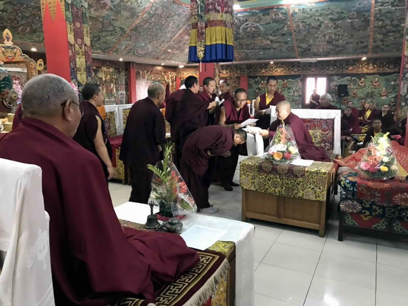 HE Jetsün Khandro Rinpoche during the certificate presentation