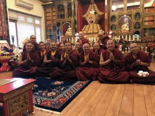 Newly appointed khenpos gather for prayers in the presence of the sacred Kudung of Kyabje Mindrolling Trichen