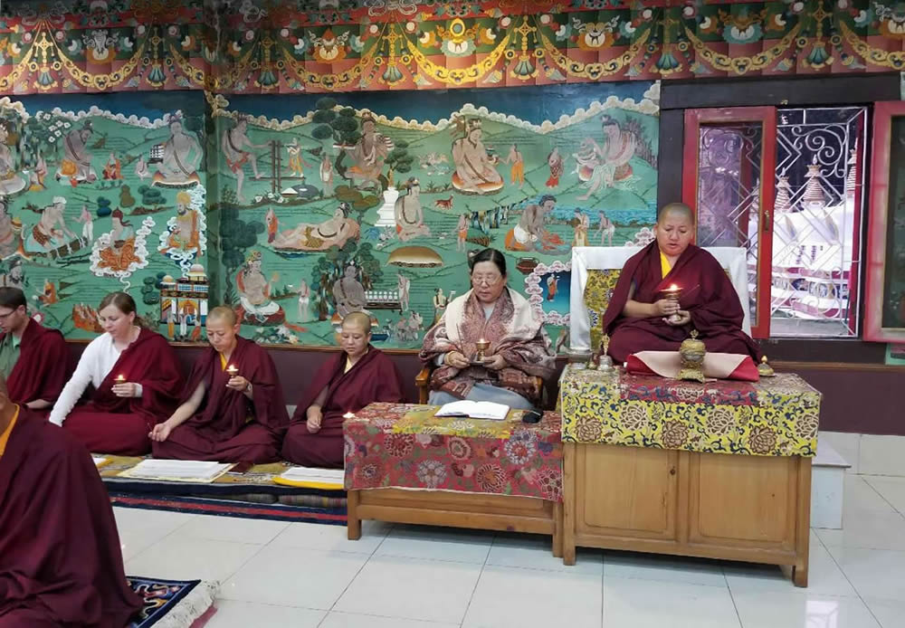 Minling Sangyum Kushog and HE Jetsün Khandro Rinpoche during the Thugje Chenpo Drubchen at Mindrolling